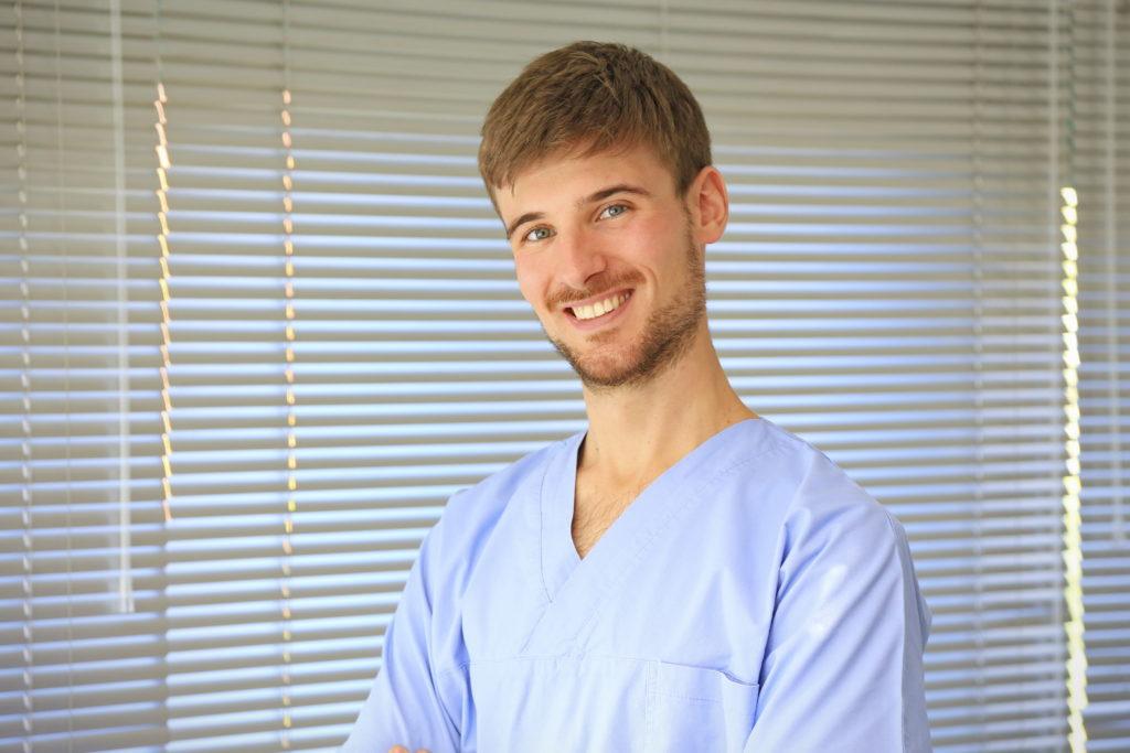 Dr. Mattia Chiapello - Endodonzista e conservatore